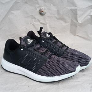 Mens Adidas Maduro 2.0 running shoes.